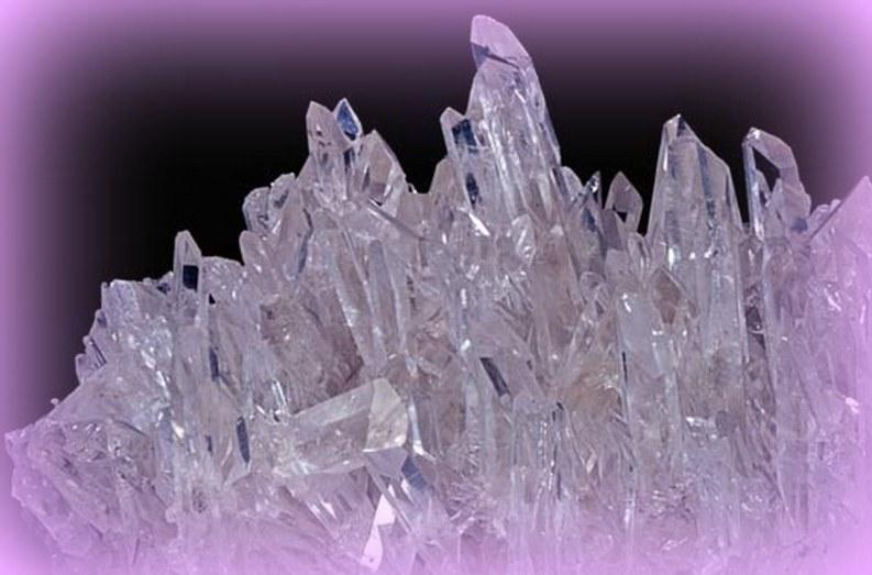 quartz cluster_800_563