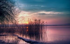 pink sky water_800_499