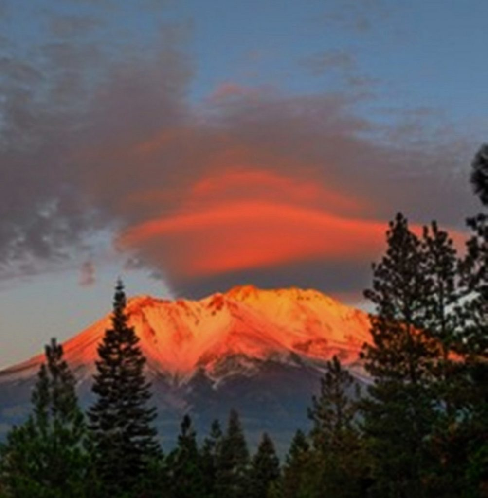 Mount Shasta image copyright walkingterrachrista.com